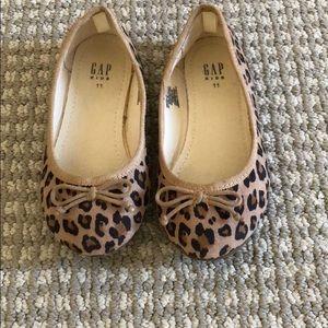 Gap toddler girls size 11 leopard print flats